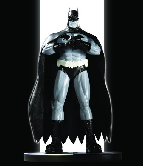 761941305264_Batman_Black_and_White_Statue_by_Pat_Gleason