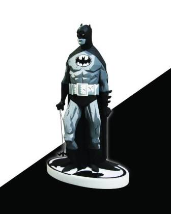 NOV110251_Batman_Black_and_White_Statue_Mike_Mignola_Variant